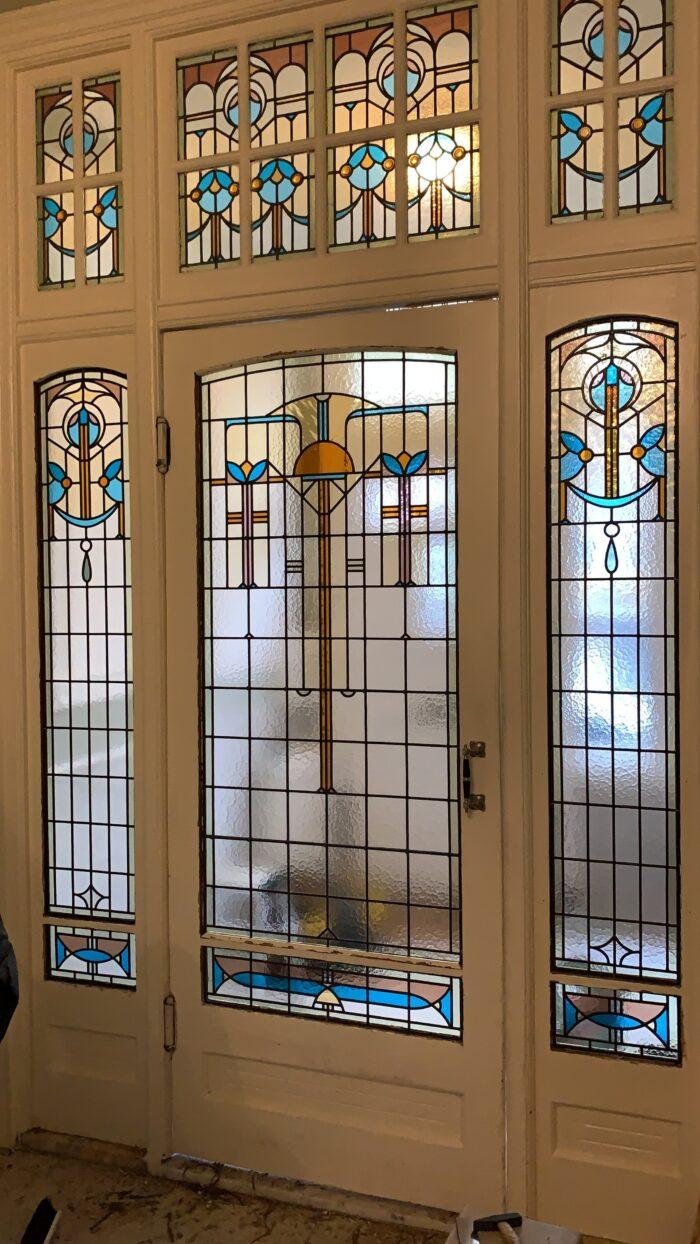 Art deco glas in lood tochtdeurportaal Duinoord-min